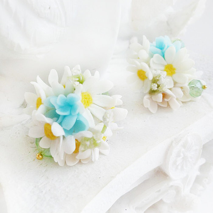 Daisy Flower Ball Earrings 1