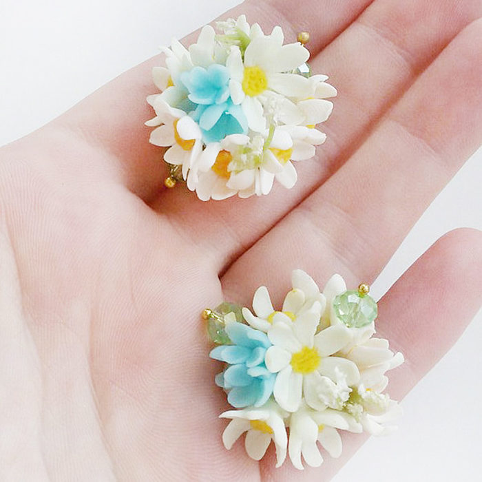 Daisy Flower Ball Earrings