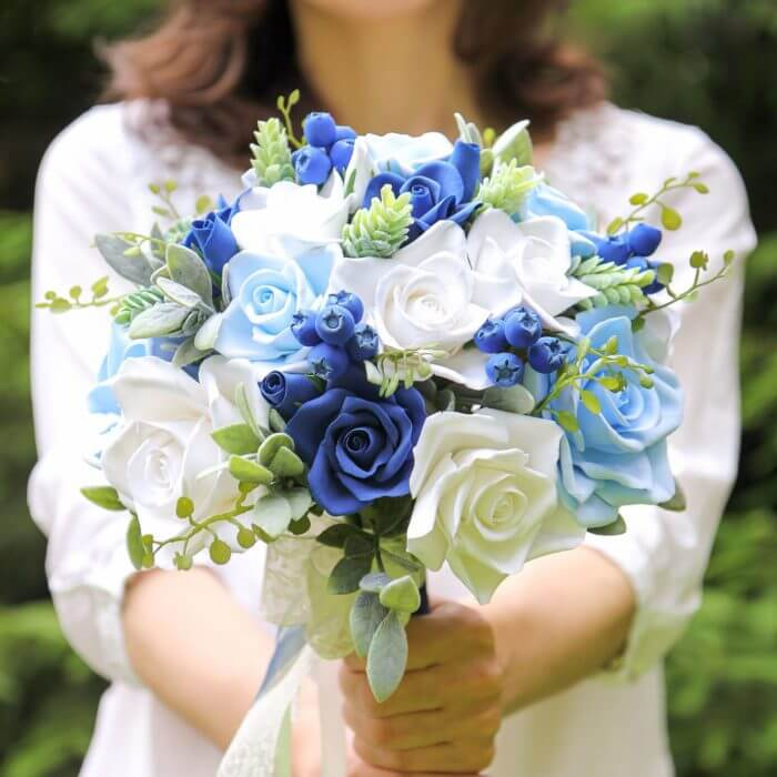 Blue Roses Wedding Bouquet | Oriflowers