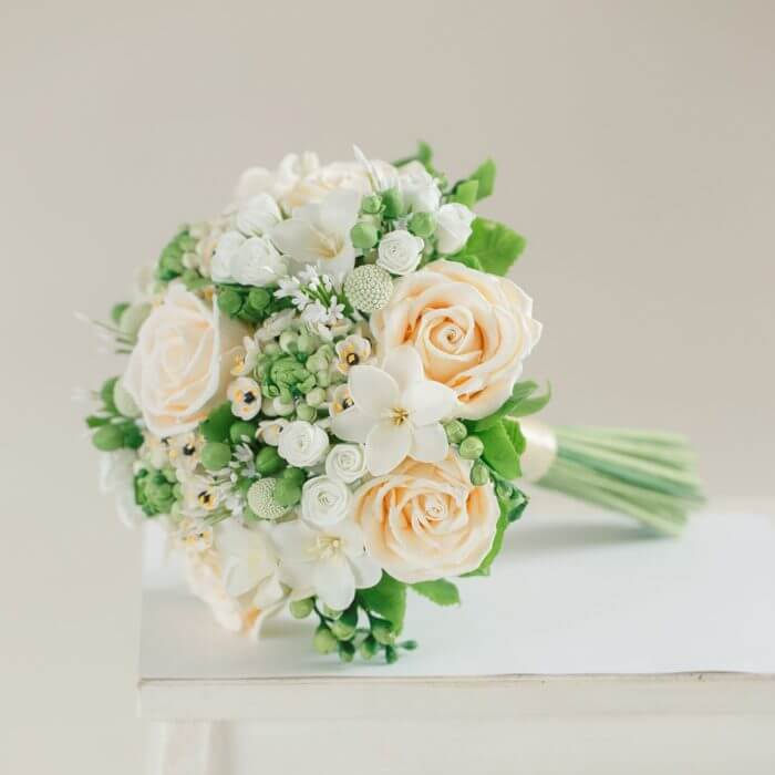 Ivory Rose Wedding Bouquet 1 | Oriflowers
