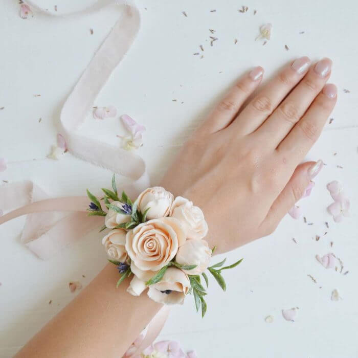 Peach Rose Corsage 1 | Oriflowers