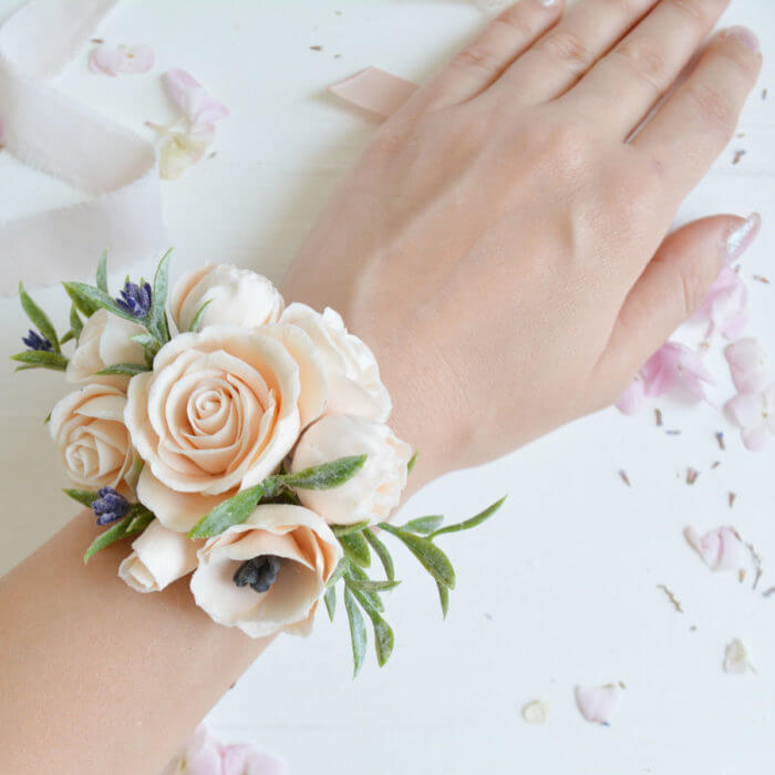 Peach Rose Corsage 2 | Oriflowers
