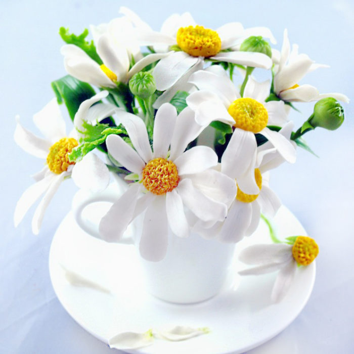 Table Decorations, Artificial Chamomile Flowers in a Cup | Oriflowers