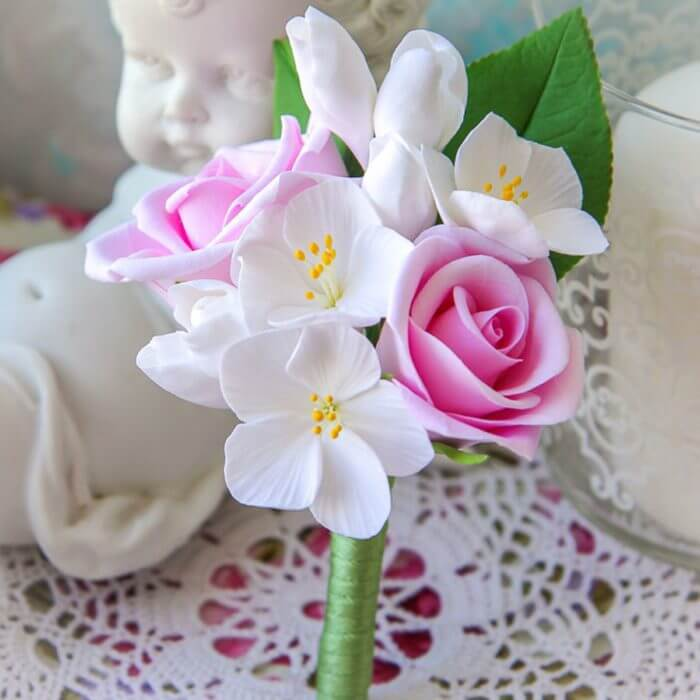 White And Pink Boutonniere 1 | Oriflowers