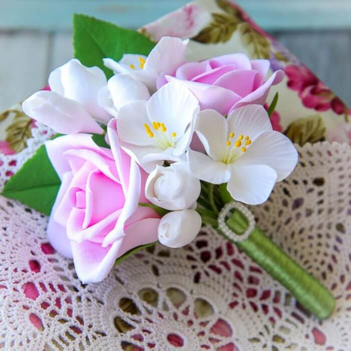 White And Pink Boutonniere 3 | Oriflowers