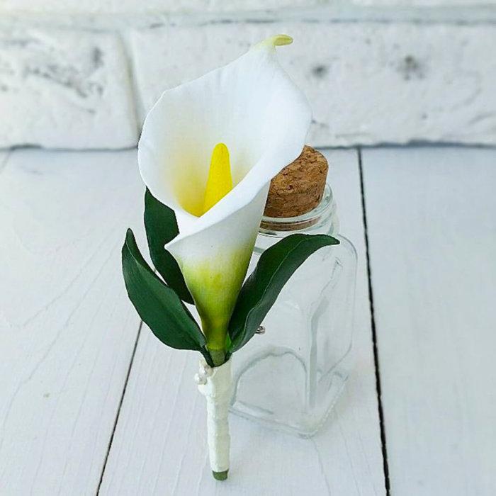 White Calla Lily Boutonniere | Oriflowers