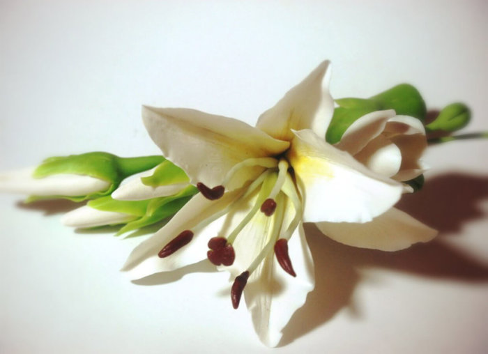 White Lily Hair Clip | Oriflowers
