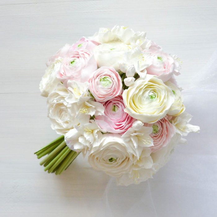 White Ranunculus Bouquet | Oriflowers