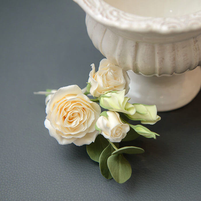 White Rose Boutonniere 3 | Oriflowers