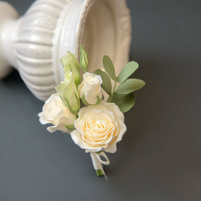 White Rose Boutonniere | Oriflowers