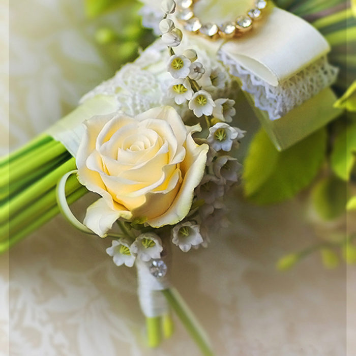 Yellow Rose Boutonniere 6 | Oriflowers