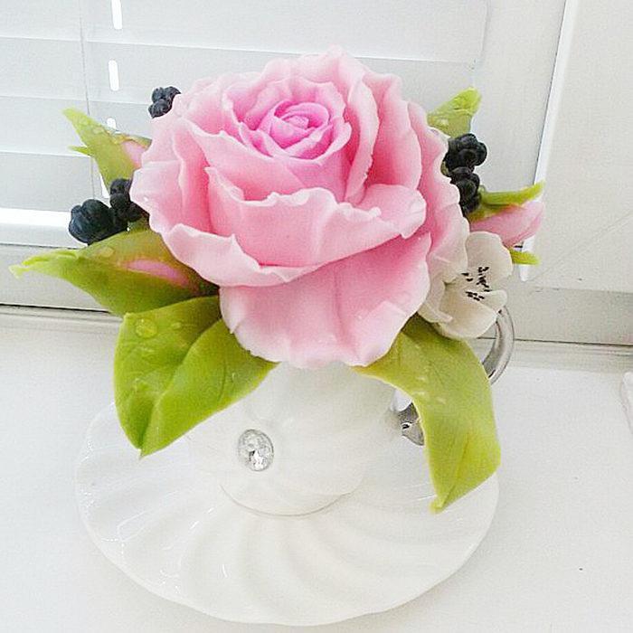 Pink Rose Arrangement | Oriflowers